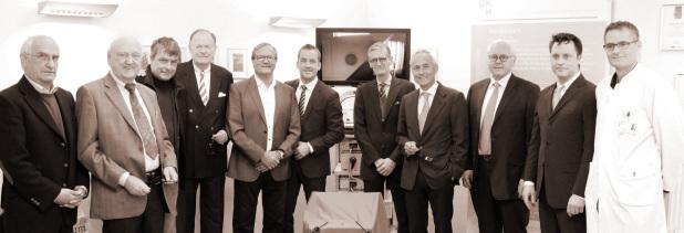 Spitzenmedizin wird für Kuratoren der UKSH Stiftung erlebbar: Einweihung der neuen 3D-Laproskopie Einheit für die Fachbereiche Urologie, Chirurgie und Gynäkologie am Campus Kiel